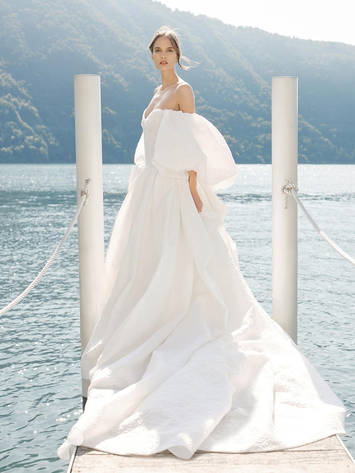 monique lhuillier billowing sleeves ball gown wedding dress fall 2020