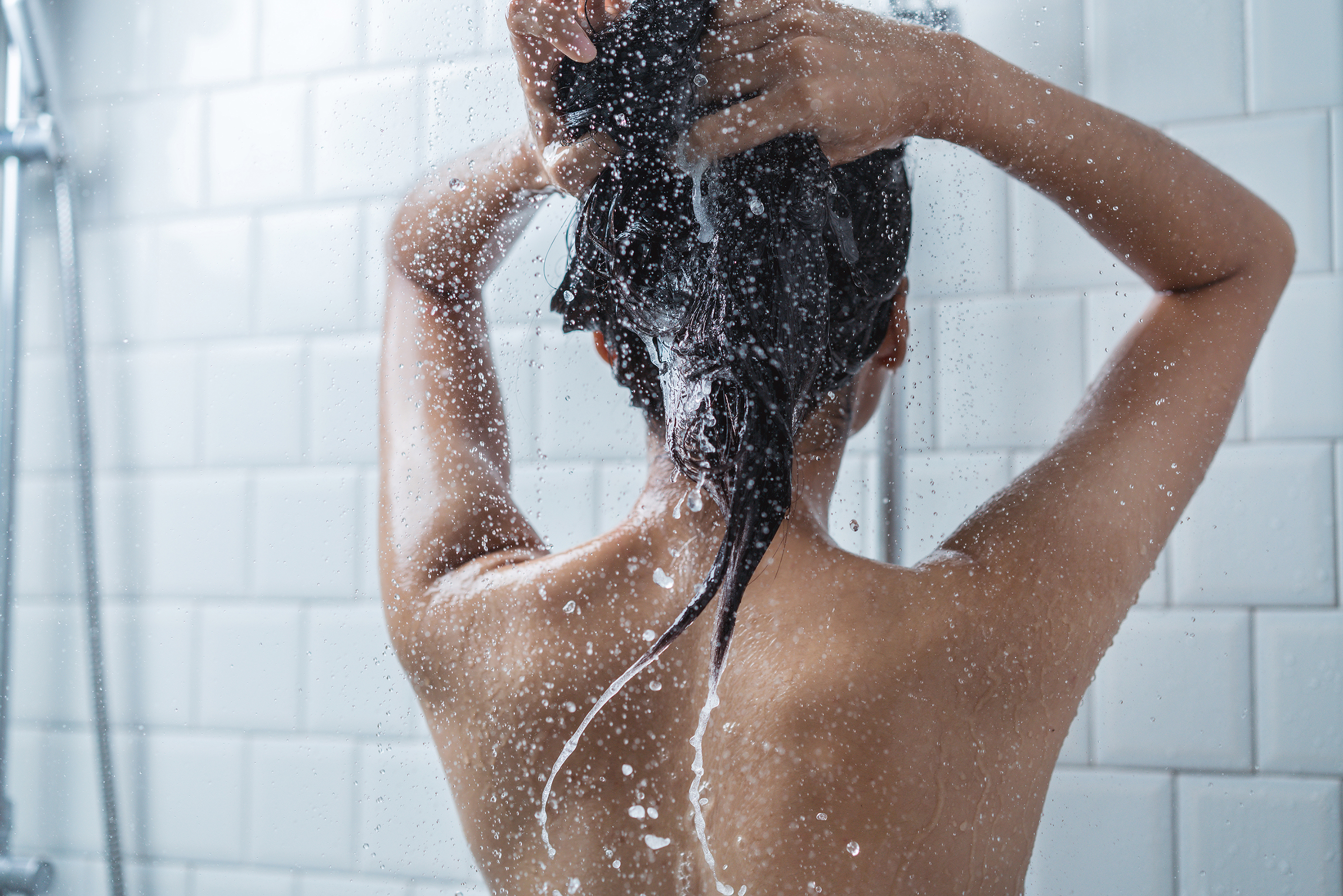 The Best Body Washes for Brides with Acne-Prone Skin