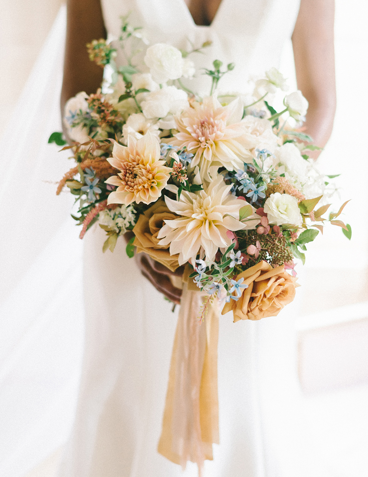 ericka meechaeyl wedding bride's pastel bouquet