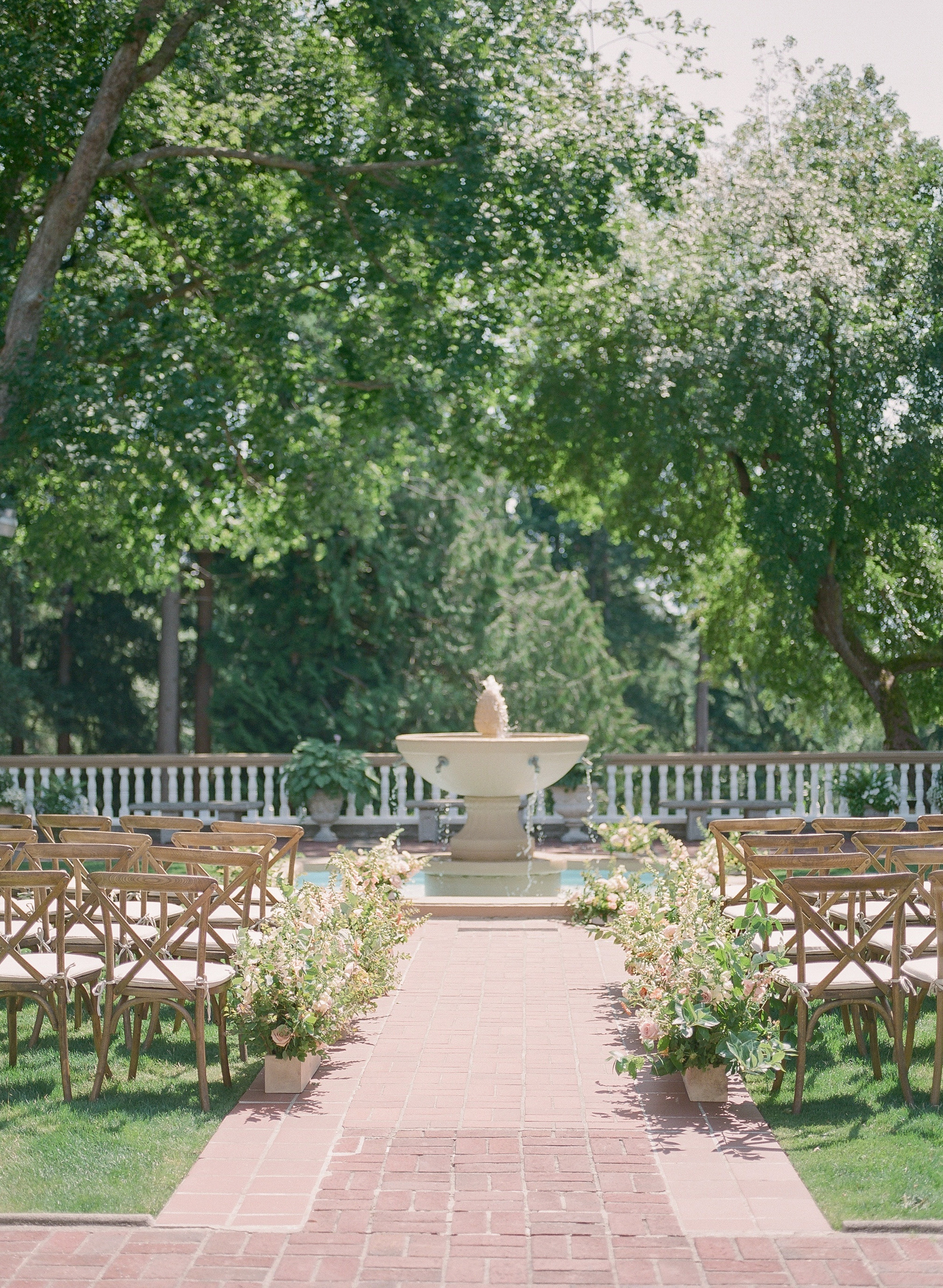 evelyn sam wedding scenic outdoor wedding venue