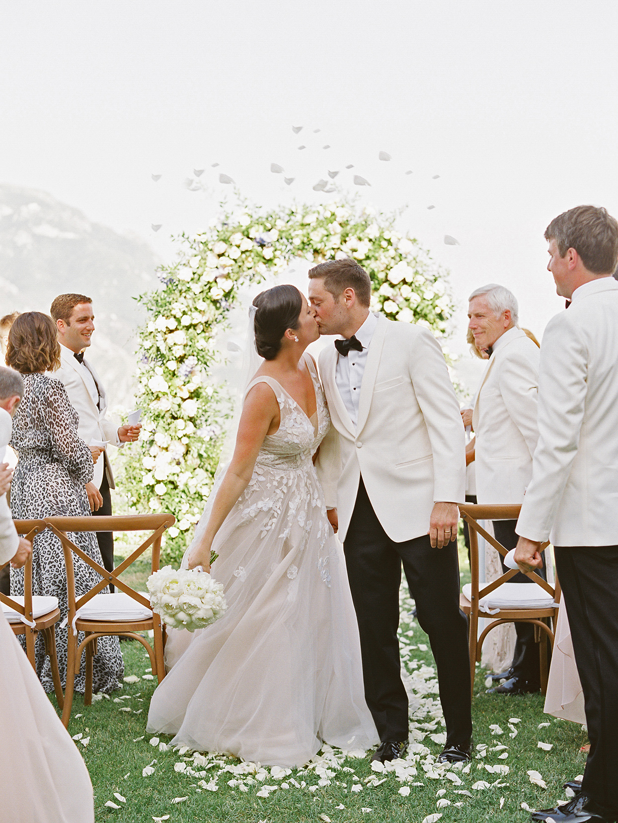 jacqueline david wedding ceremony couple kiss