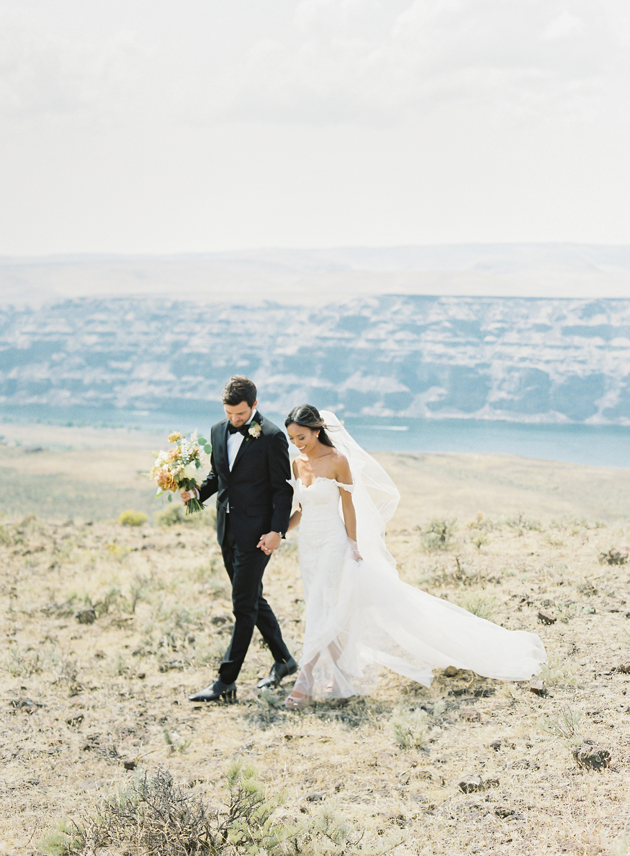 This Quincy, Washington, Wedding Is Proof That Less Really Is More