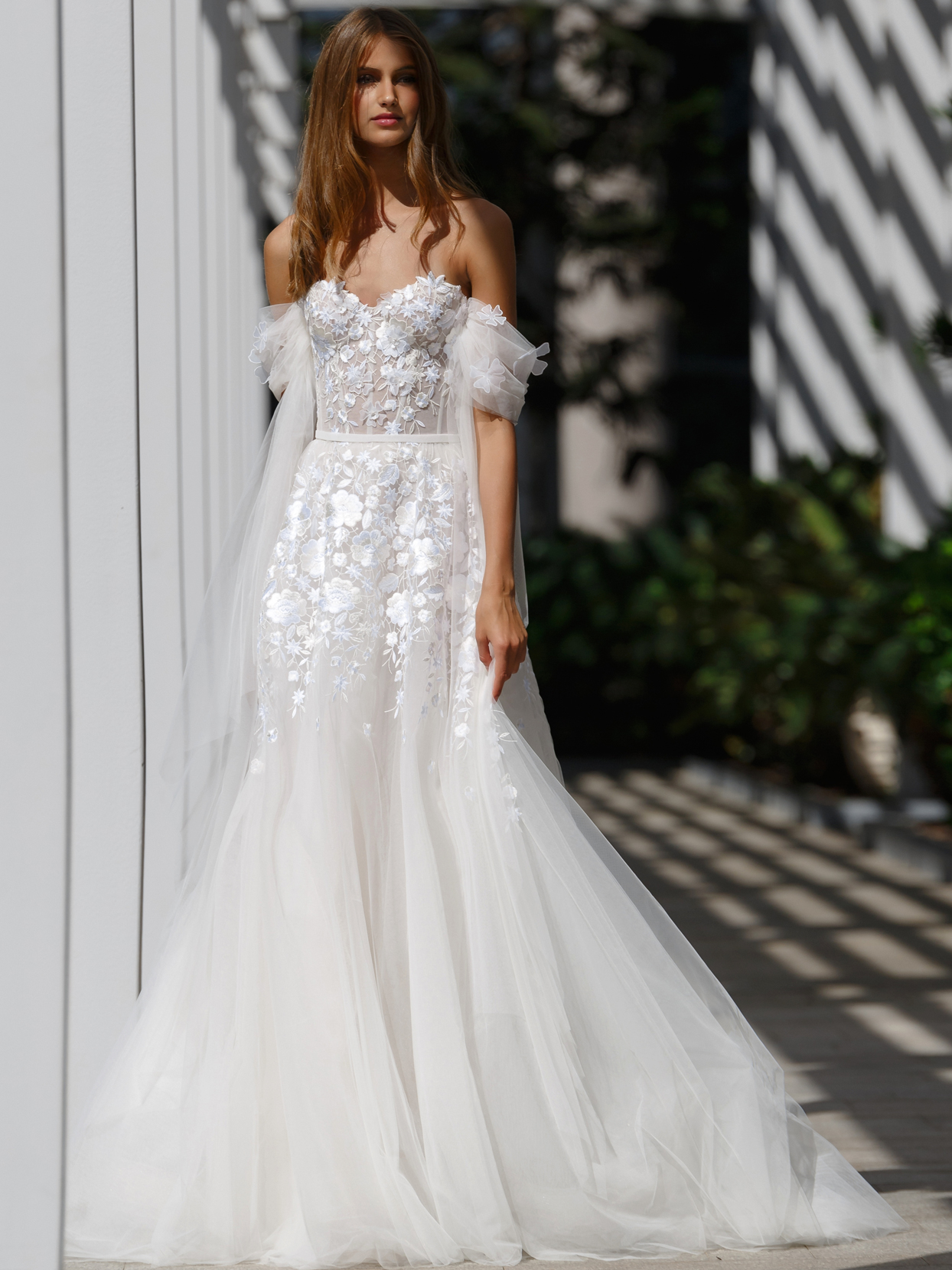 Mira Zwillinger strapless off-the-shoulder tulle a-line embroidered lace wedding dress fall 2020