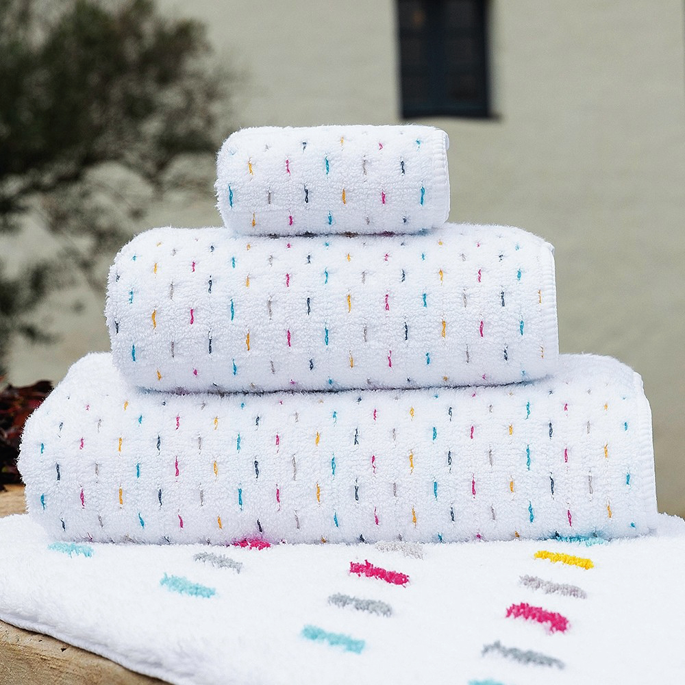 white confetti towels