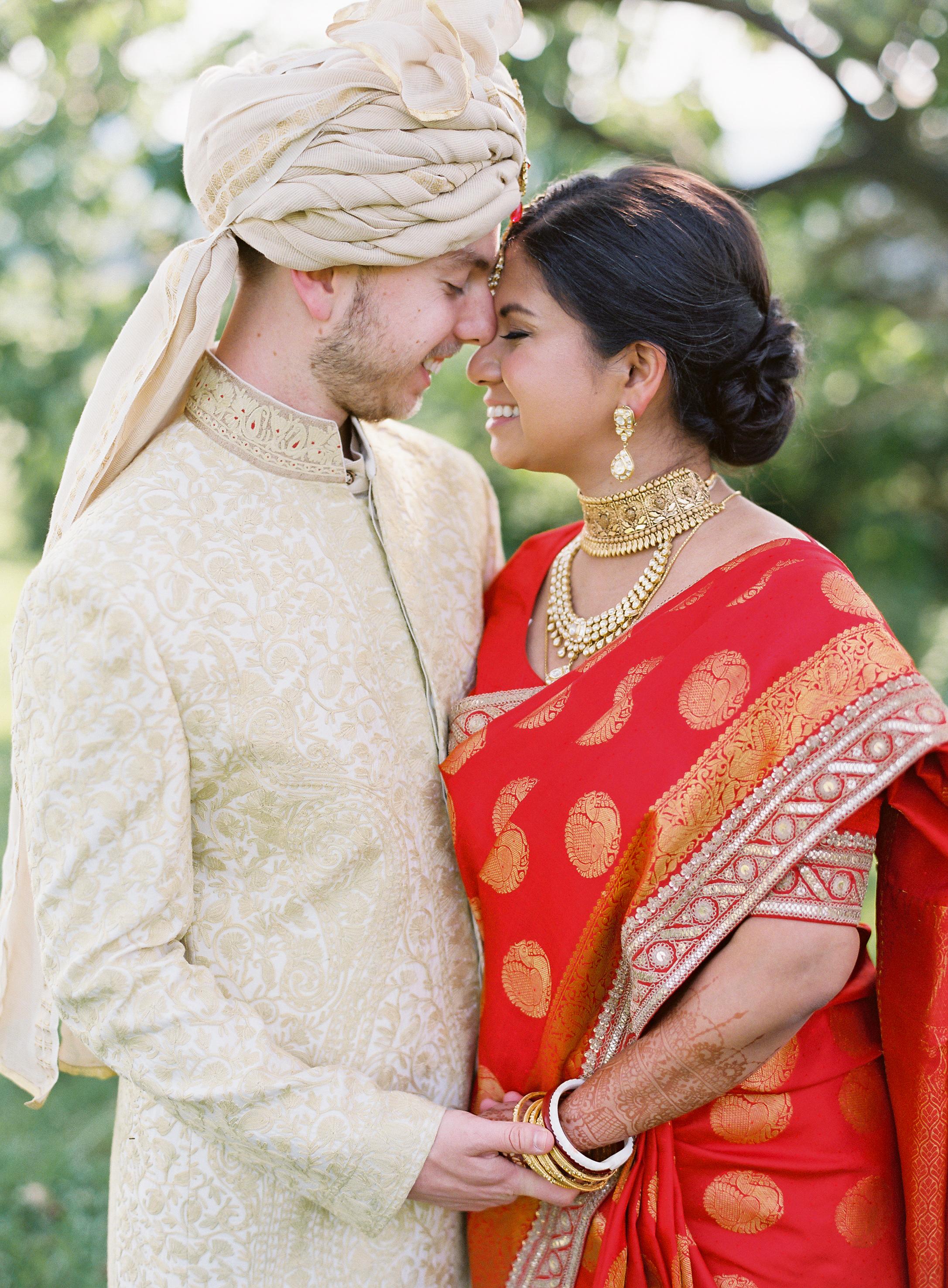 ronita ryan wedding couple first look
