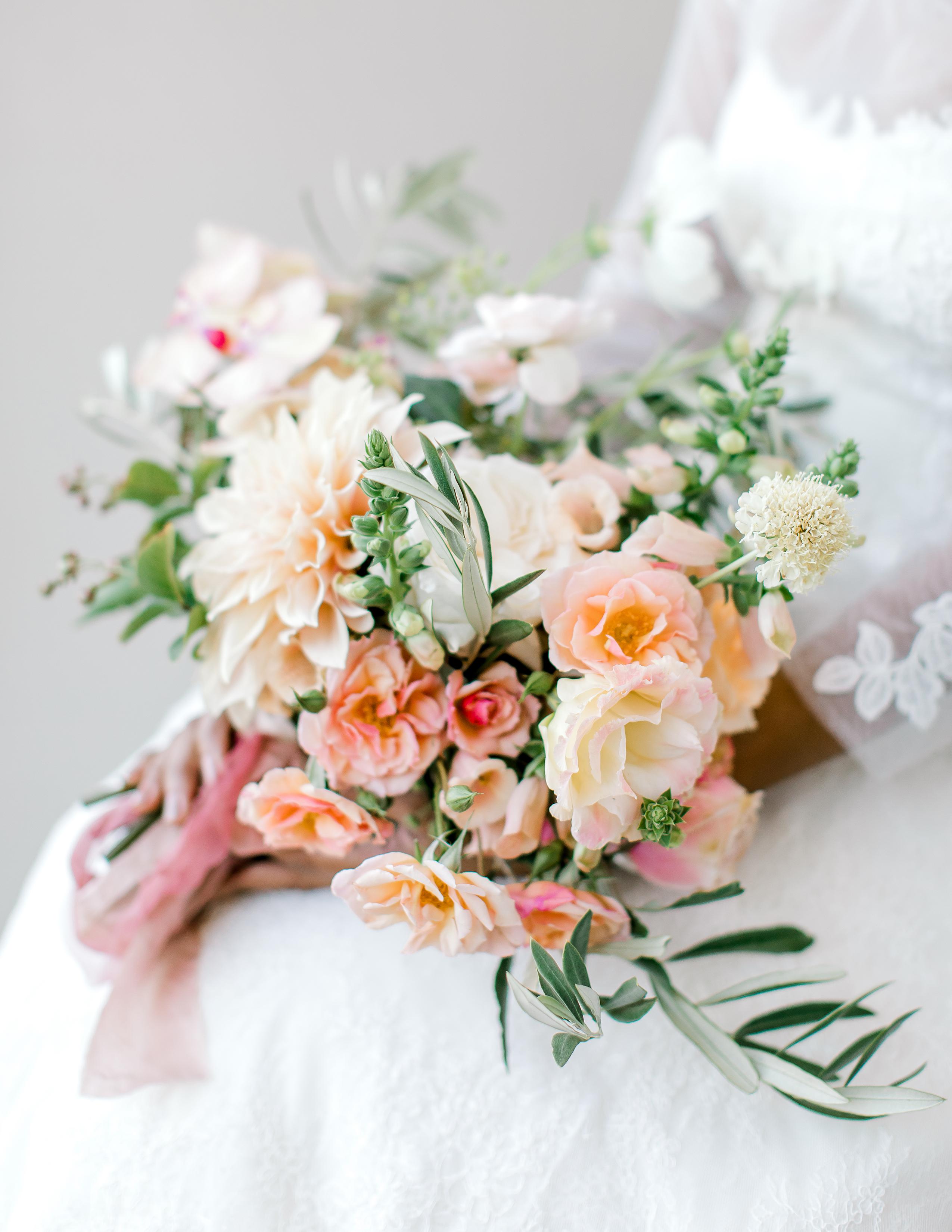 rorisang stephen wedding bride's bouquet