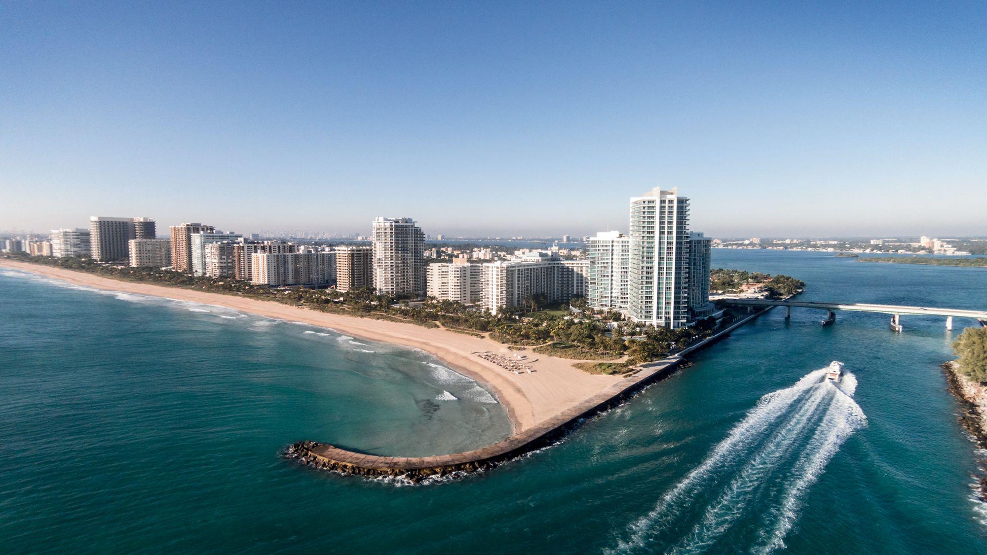 Bal Harbour, Florida, Ritz Carlton