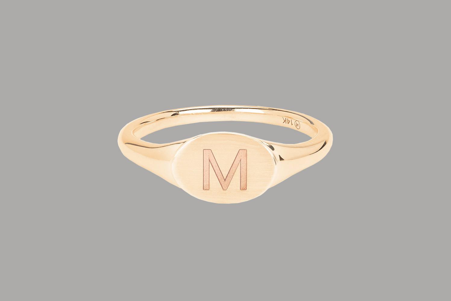 bridesmaid gift mejuri gold signet ring M