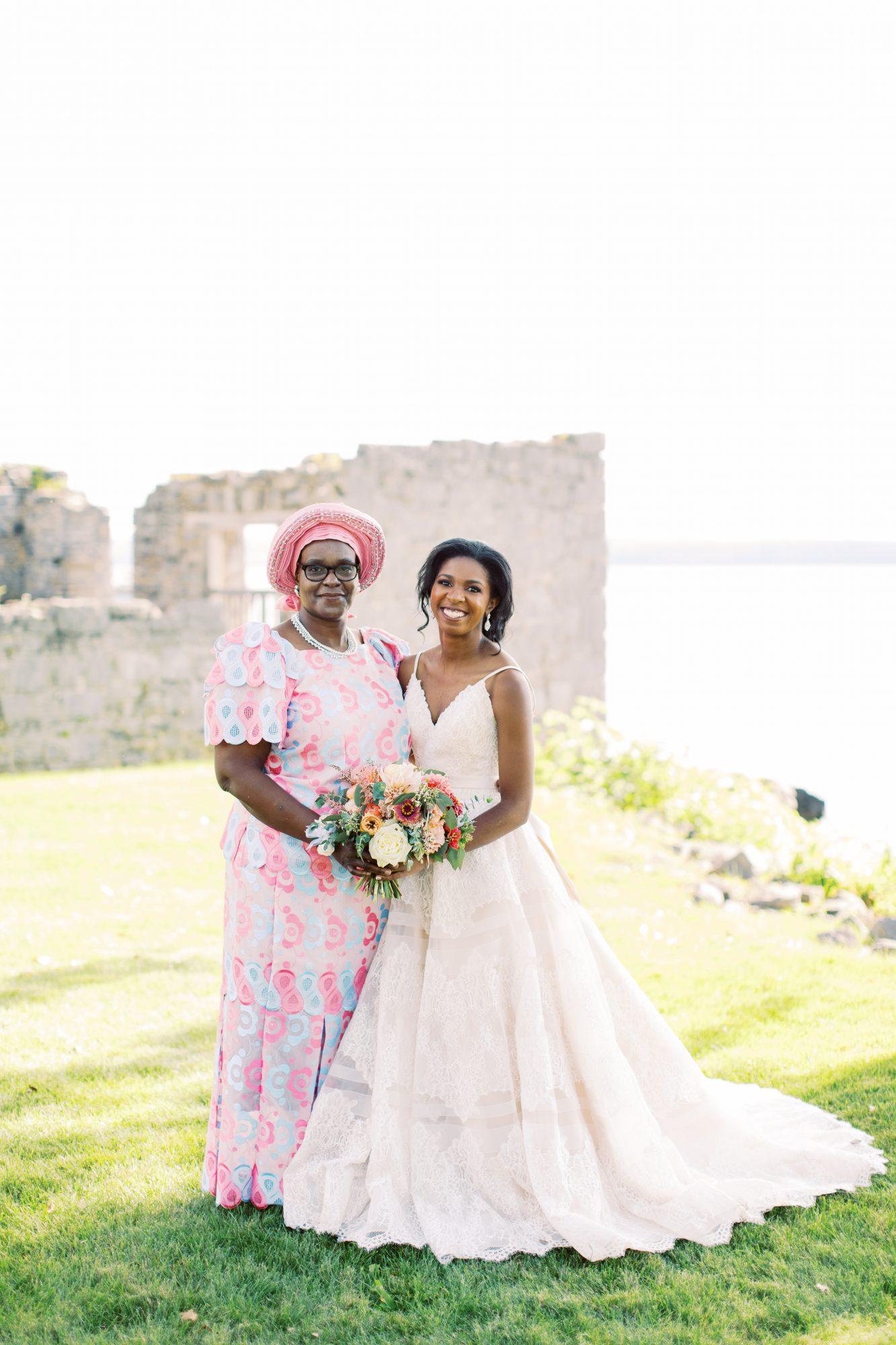 charlene jeremy wedding bride posing with mom
