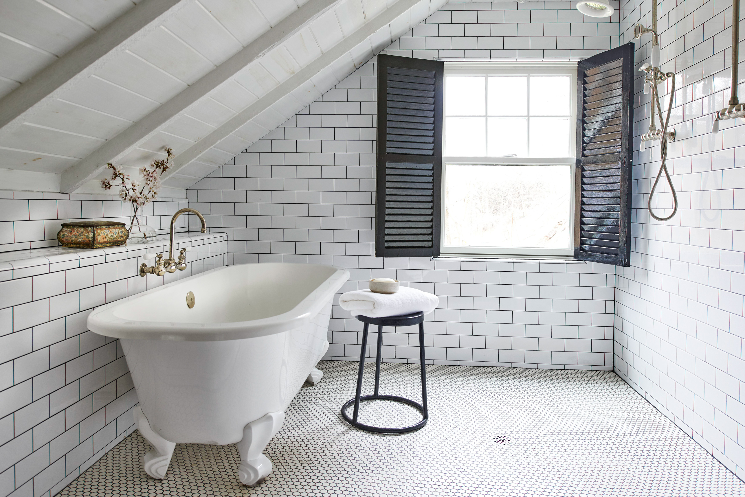 Applying The Subway Tile Bathroom Ideas