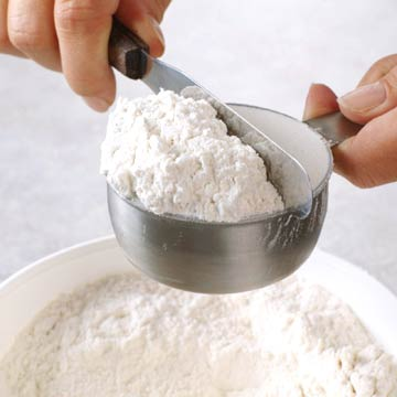 Leveling Off Flour