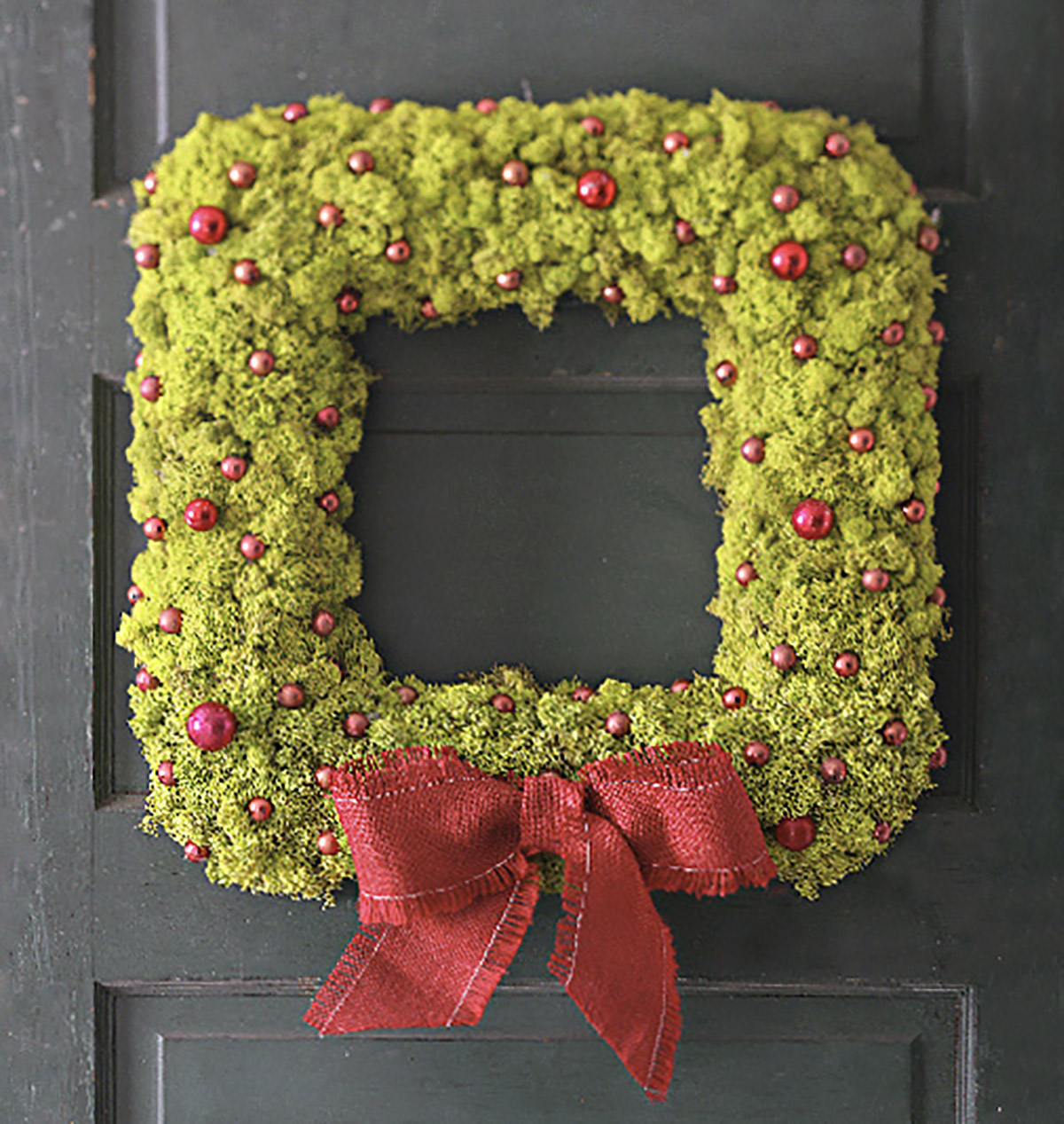 How to Make a Square Reindeer Moss Wreath for Christmas