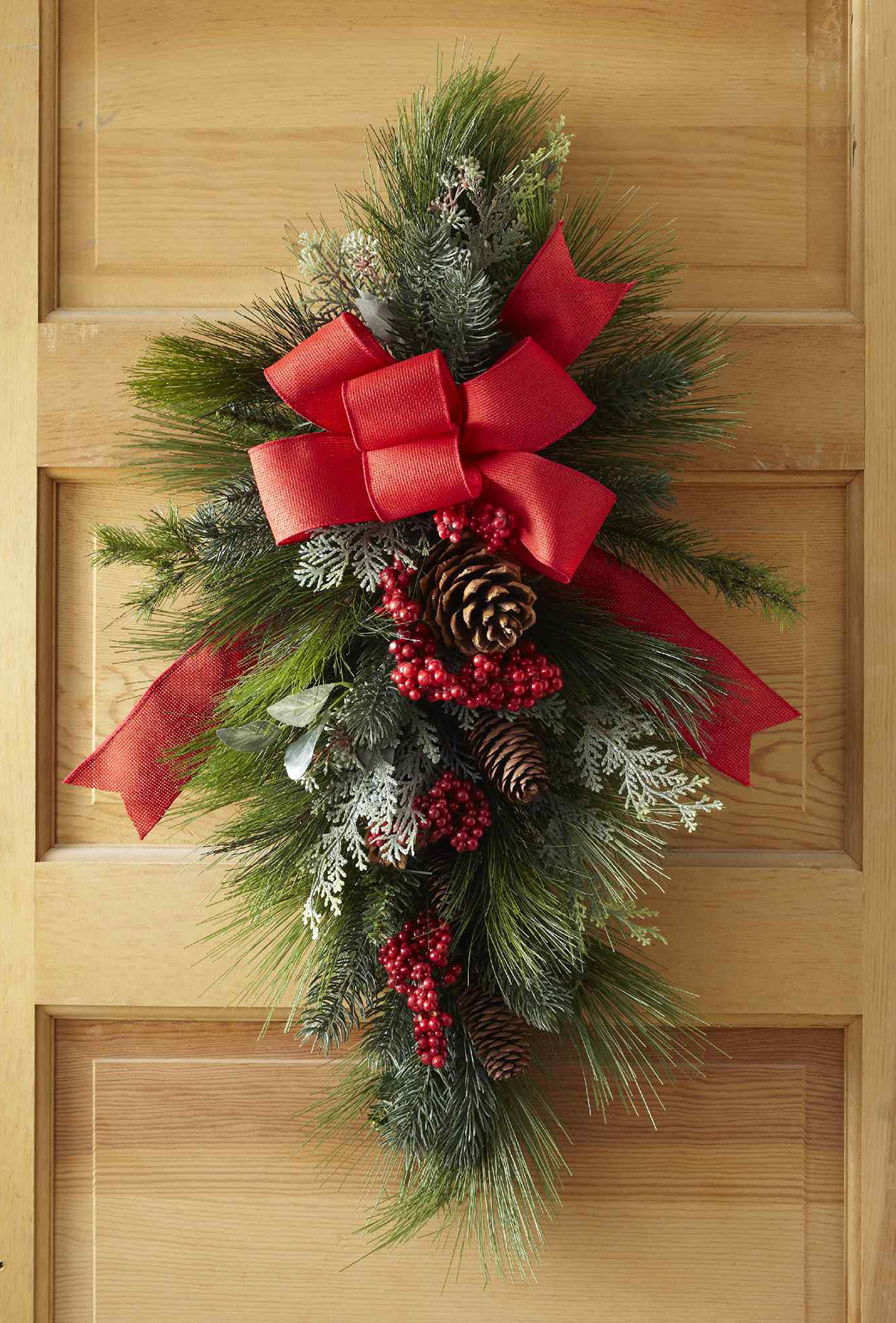 Christmas Swag.How To Make A Christmas Swag Wreath For Your Front Door
