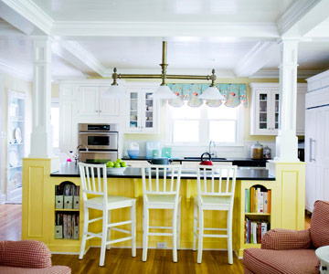 House Tours: A Colorful Craftsman-Style Home