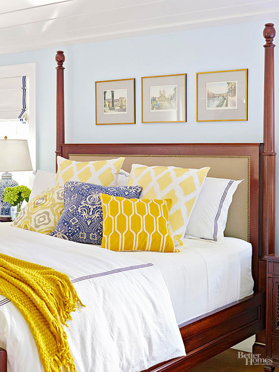 white and yellow bedding