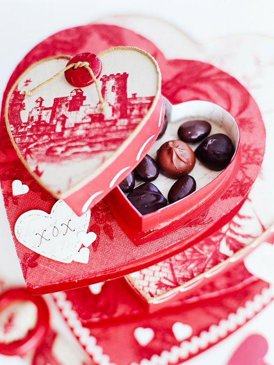 Embellished Heart-Shape Candy Box