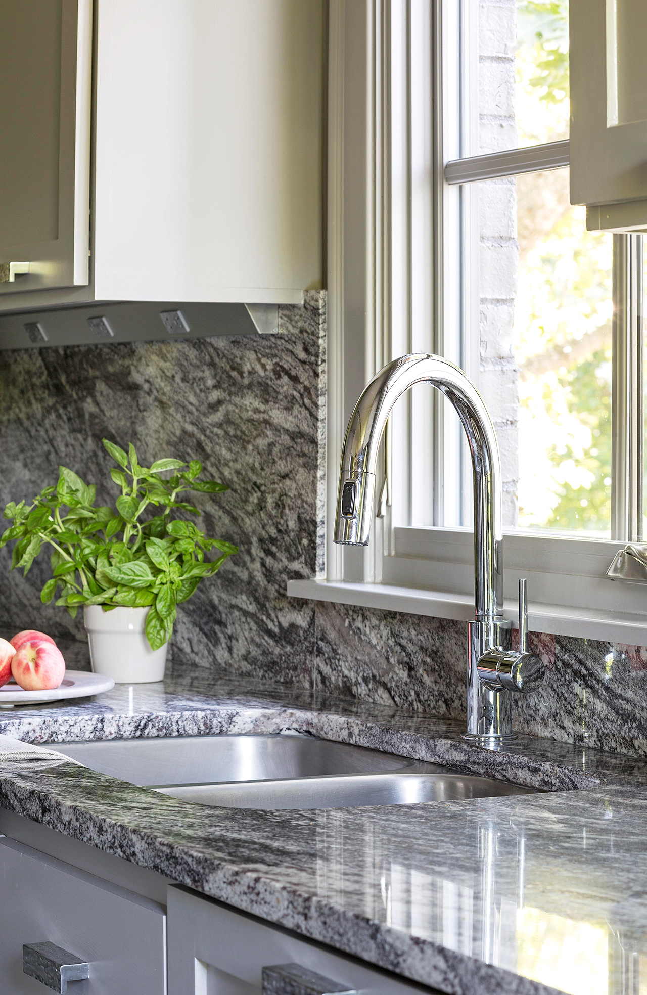 Selecting A Kitchen Sink Better Homes Gardens
