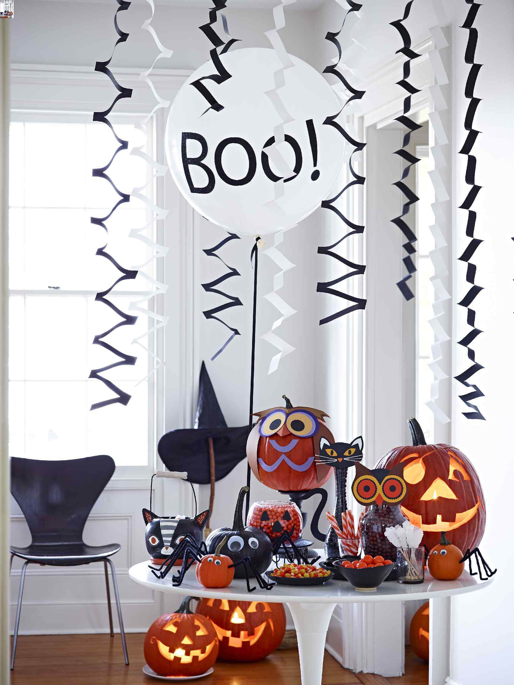 11 Tips for Throwing a Halloween Party for Kids | Better Homes & Gardens