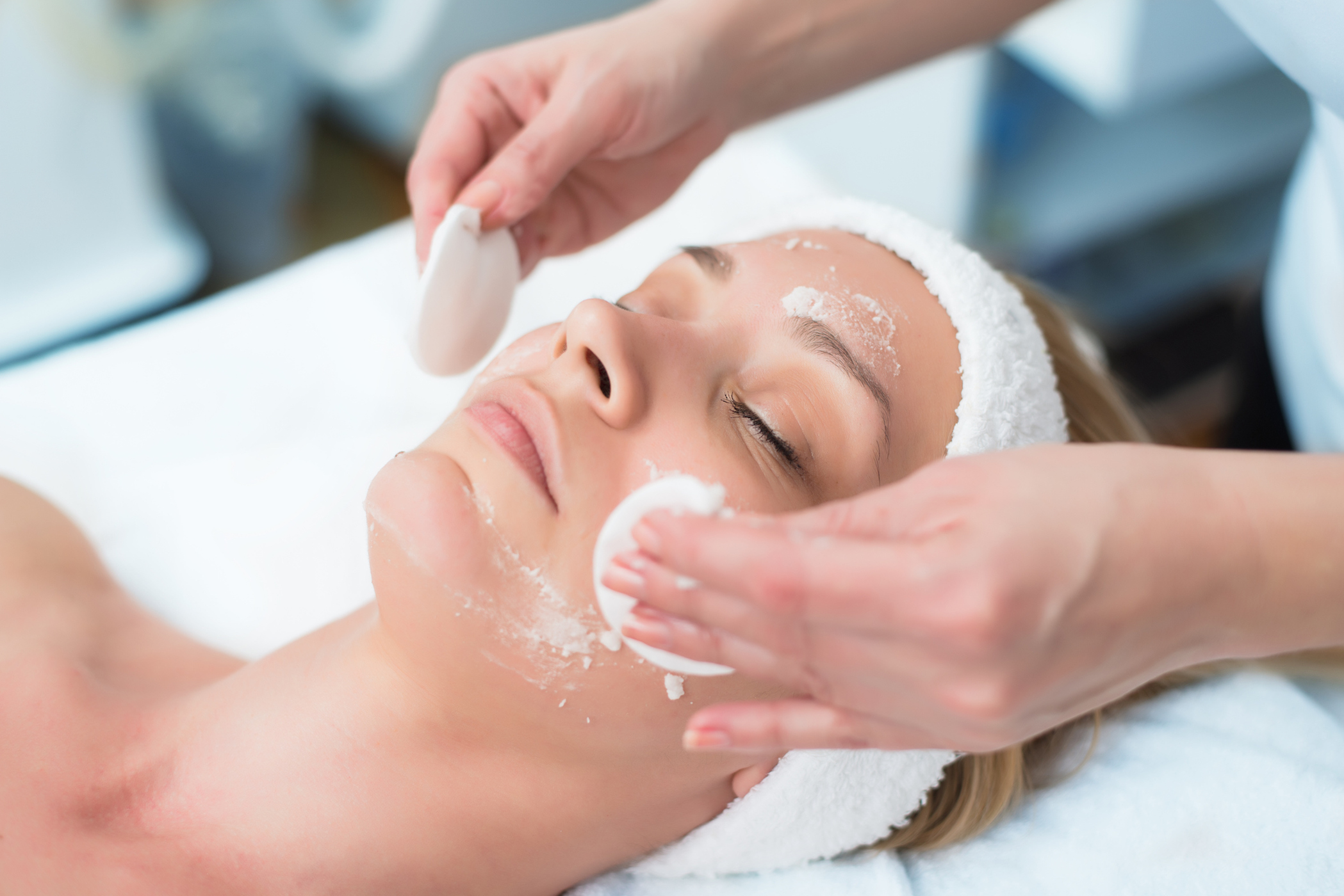 The Best Anti-Aging Treatments at the Dermatologist's Office