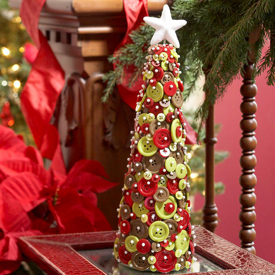 Create a Christmas Tabletop Tree from Buttons