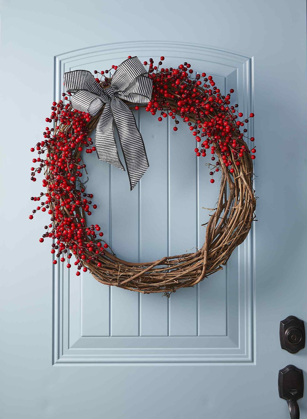This DIY Red Berry Wreath Is the Easiest Holiday Craft