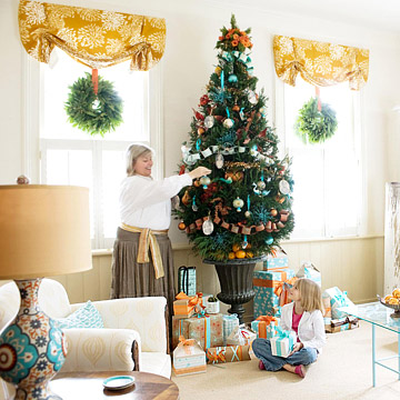 Decorate Your Windows For Christmas Better Homes Amp Gardens