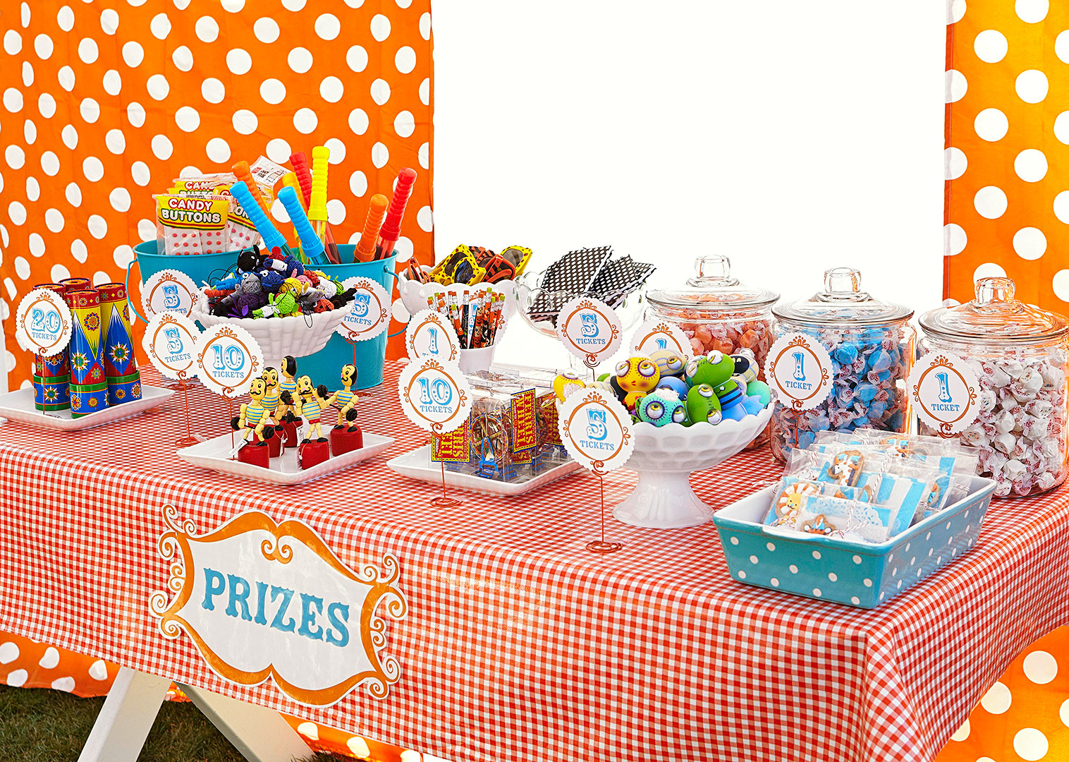 Circus Party Prize Table