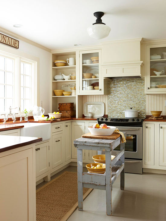 Light Colors in a Small Kitchen