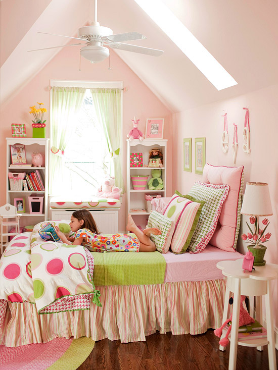 Bedroom Decorating in Pink and Red