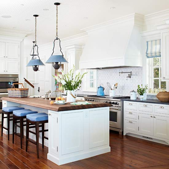 Kitchen Island Accent Color: Traditional Kitchen Design Ideas