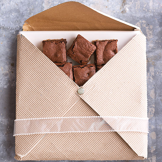 Holiday Food Gifts: Recipes & Wrapping Ideas Featuring Platters