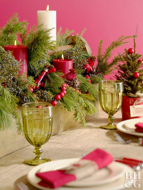 Bright pink table setting, holiday decor, table setting