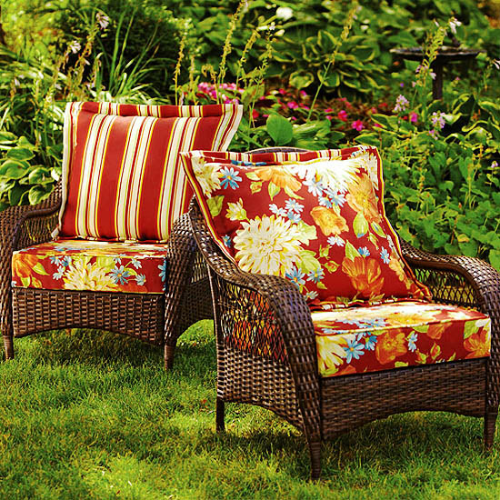 Red_Floral_and_Stripe_Cushions