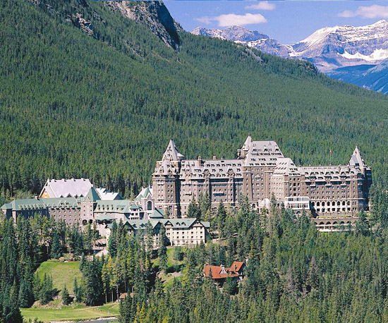 Explore the Beauty of Banff & the Canadian Rockies