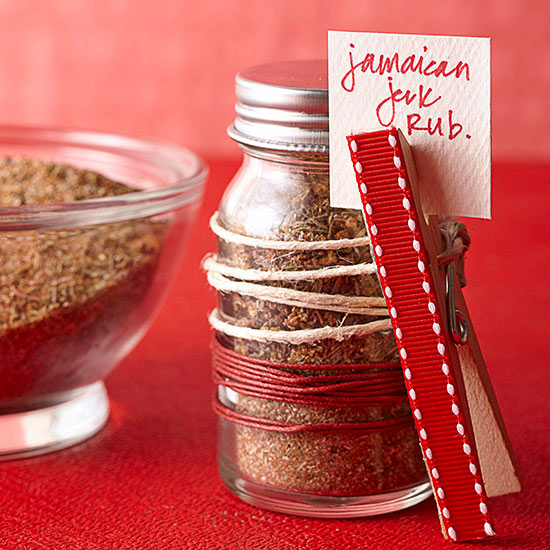 String and Clothespin Wrap for a Jar of Spice Rub Mix