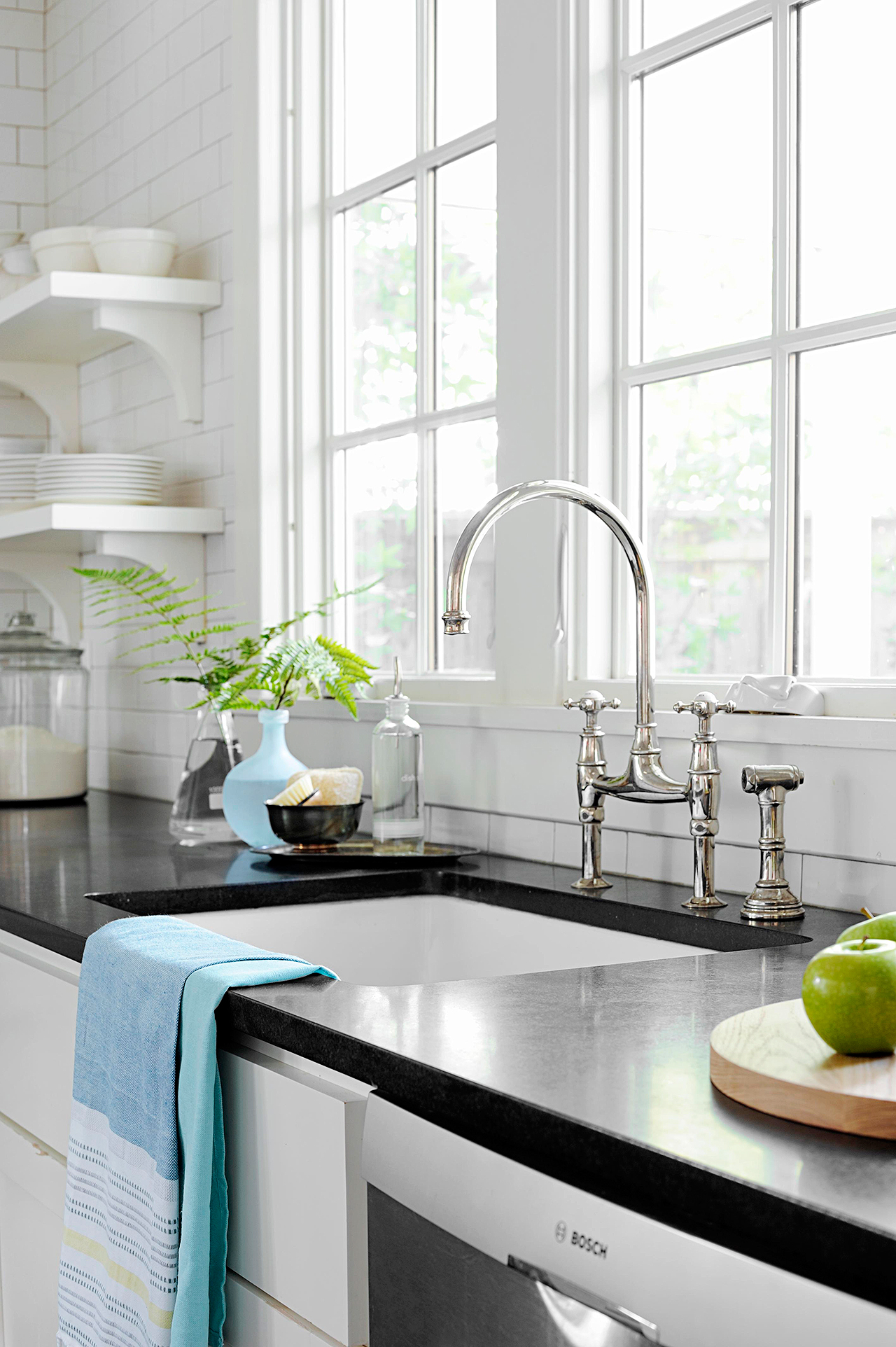 Selecting a Kitchen Sink | Better Homes & Gardens