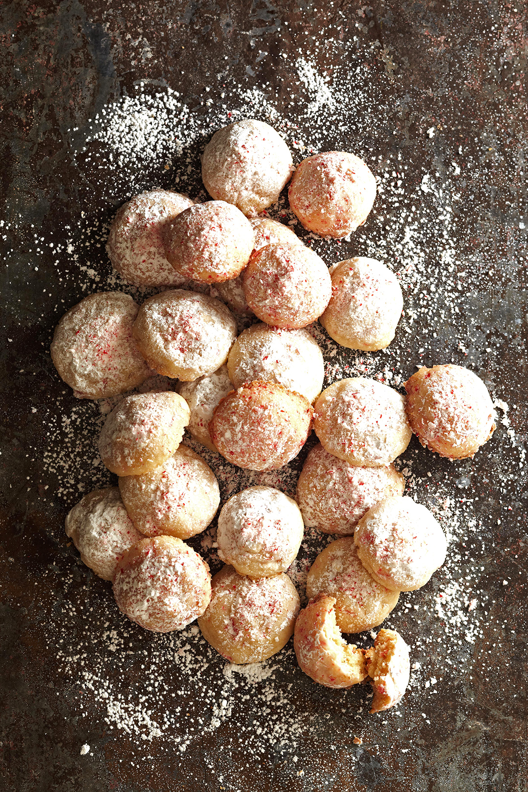 Peppermint Snowballs cookies in powdered sugar