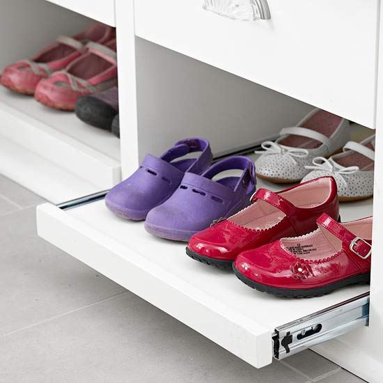 Sliding shoe storage