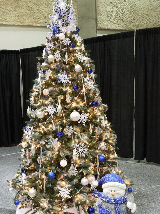 Blue-and-White Christmas Tree