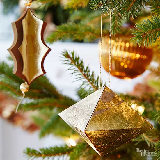How To Decorate A Christmas Tree In 3 Easy Steps Better Homes