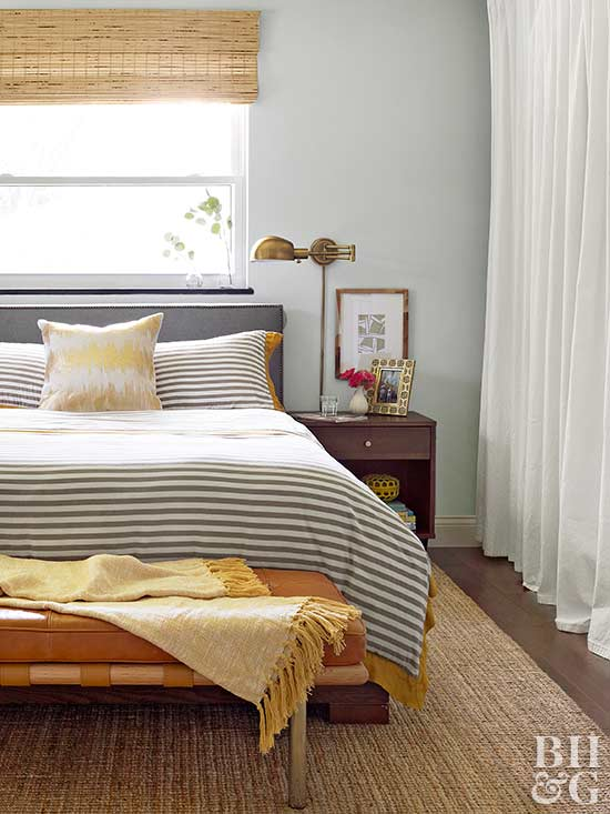 10x10 Room Design: How To Decorate A Small Bedroom
