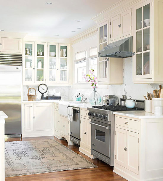 Traditional Off White Kitchen Cabinets: Top 10 Kitchen Cabinetry Trends
