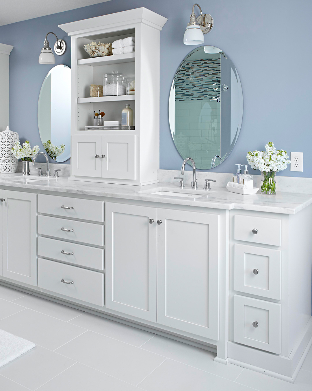 Strange The 12 Best Bathroom Paint Colors Our Editors Swear By Home Interior And Landscaping Ologienasavecom