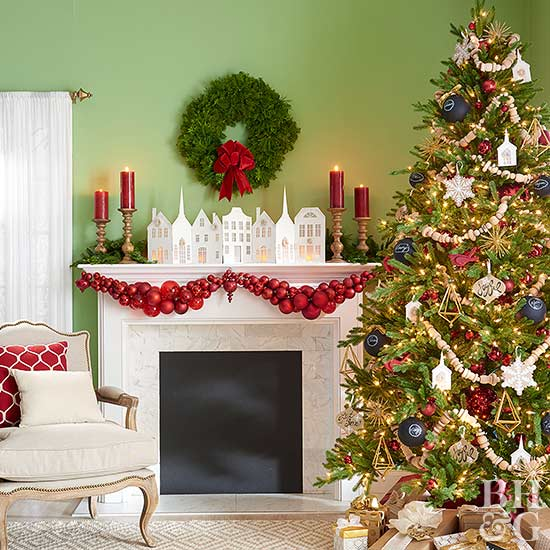 Christmas Hearth Decorations.Make Over Your Mantel For Christmas With These Stunning Ideas