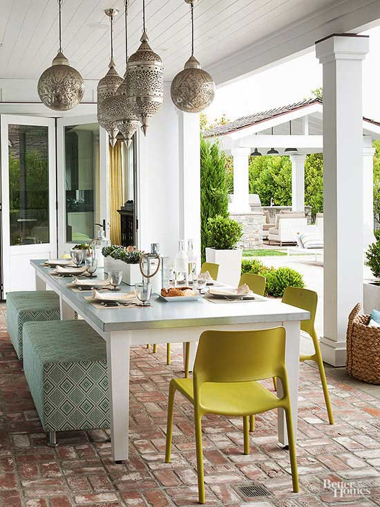 chic outdoor oasis