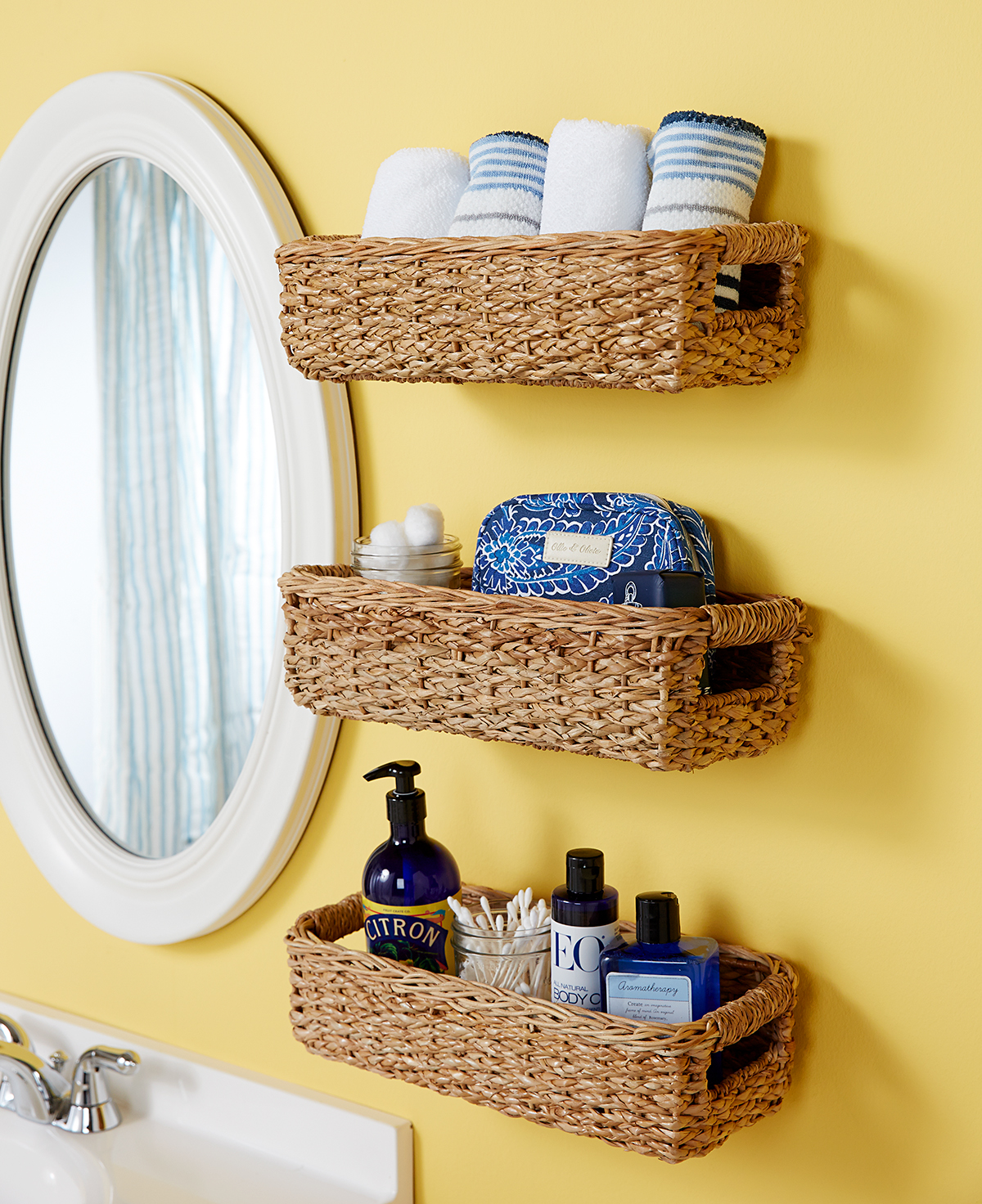 Hacks To Make The Most Of Your Tiny Bathroom