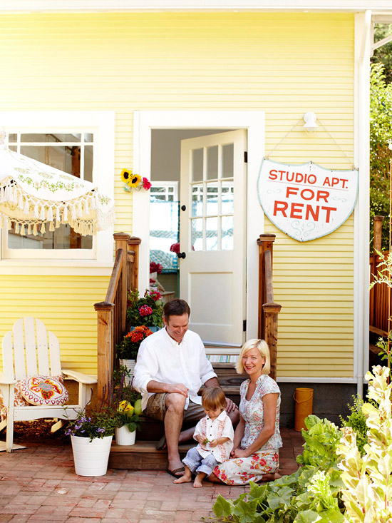 House Tours: Small But Mighty Cottage Home