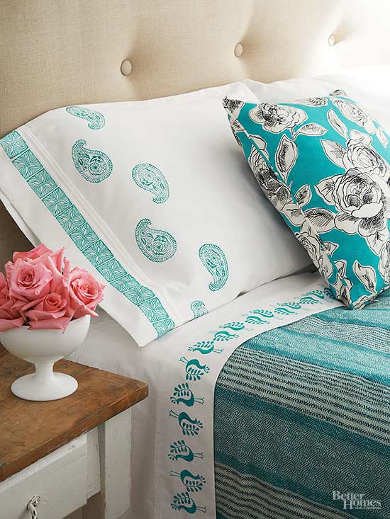diy stamped pillow case and sheets