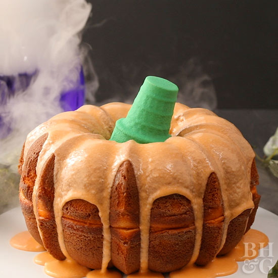 Halloween Pumpkin Bundt Cake