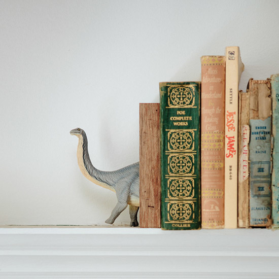 9 Surprising Ways to Decorate with Dinosaurs